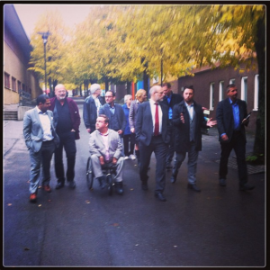 Vi var ett stort gäng på besök i Vårby Gård igår.